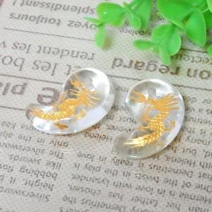 クォーツ(水晶) 勾玉 約19×30mm(龍彫り・金色) 002