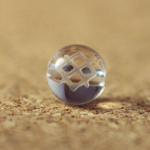 クォーツ(水晶) AAA ラウンド 6mm(ルーンGARガー彫り)-1