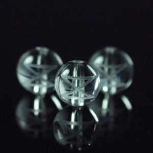 クォーツ(水晶) AAA ラウンド 8mm(ルーンDAEGダグ彫り)