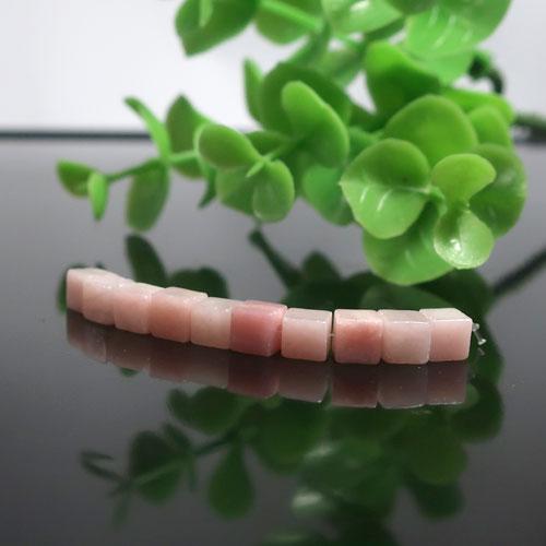 ピンクオパール AA++ キューブ 約4.5mm
