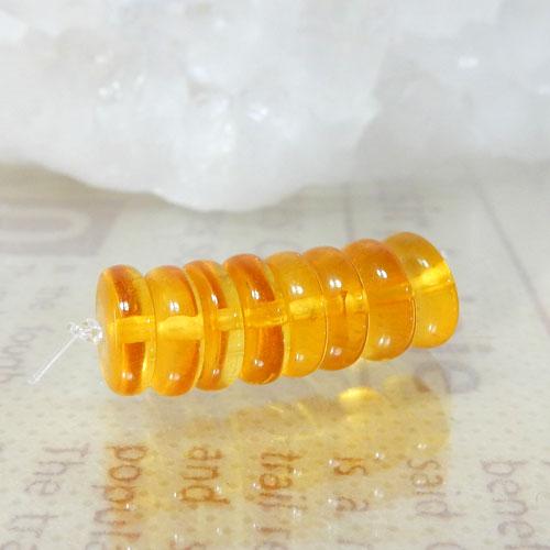 アンバー(琥珀) AAA ボタン 約2.5×7.5mm-0