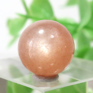 オレンジムーンストーン AAA- ラウンド 約11.8mm程度 105(BS151RD105)