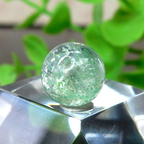 マダガスカル産グリーンガーデンファントムクォーツ AAA- ラウンド 約10.5mm 019-1