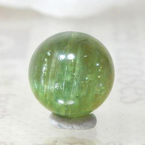 グリーンアパタイトキャッツアイ AAA- ラウンド 約9.5mm 007
