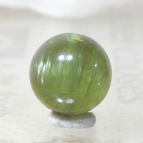 グリーンアパタイトキャッツアイ AAA- ラウンド 約9.5mm 008