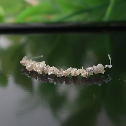 グレーダイヤモンド 原石チップ 約1.5×2.3mm前後 011