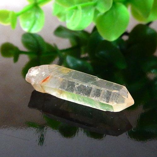 マニカラン産水晶(クォーツ) AAA ポイント(穴なし) 005-0