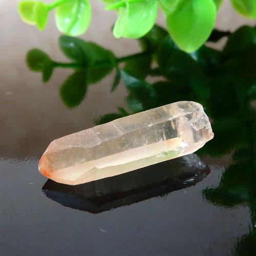 マニカラン産水晶(クォーツ) AAA ポイント(穴なし) 006