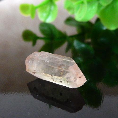 マニカラン産水晶(クォーツ) AAA ポイント(穴なし) 007-0