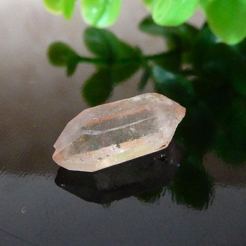 マニカラン産水晶(クォーツ) AAA ポイント(穴なし) 007