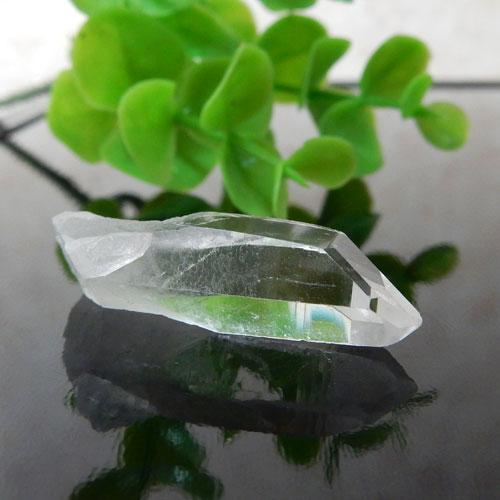 マニカラン産水晶(クォーツ) AAA ポイント(穴なし) 013-0