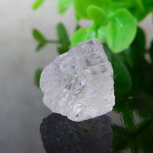 アフガニスタン産クンツァイト AAA 結晶 001-1