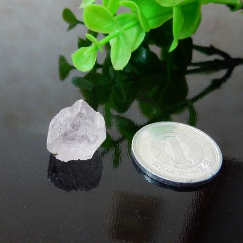 アフガニスタン産クンツァイト AAA 結晶 001-2